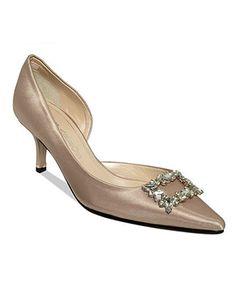Ladylike Elegance: d'orsay pumps? yes plz! Caparros #shoes #kittenheel #nude #macys BUY NOW!