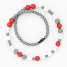 Perfect maternity gift for only $25, includes shipping.  Food-grade silicone necklace. www.bubbagum.com