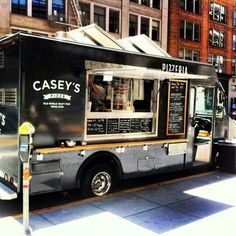 50 Life Saving Tips For Temple University Freshmen - Coffee Truck, Coffee Carts, Coffee Shop, Cafe Central, Foodtrucks Ideas, Mobile Restaurant, Pizza Truck, Coffee Trailer, Mobile Food Trucks