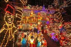 10 Outrageously Amazing Christmas Light Decorations