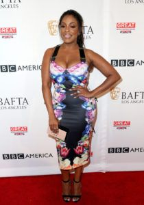 Splurge: Niecy Nash's BBC America BAFTA Los Angeles TV Tea Party 2016 Ted Baker Deony Tapestry Flora Dress