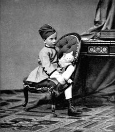 Rudolf kleine kroonprins in 1863 al in militair uniform