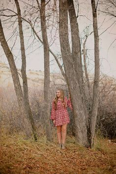 """Some photographers are very inefficient when it comes to shooting in a portrait location. They will take a photo here by this tree, then move over to another tree, then by the pathway, and one at the rock. Then they can't figure out where to shoot next, because they've already used every""""backdrop""""they can see in …"""