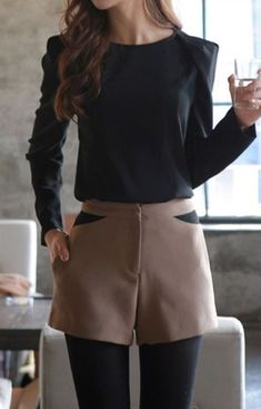 50 Stylish Stockings Outfits For Your Fall Outfit Inspiration - EcstasyCoffee Mode Outfits, Short Outfits, Fall Outfits, Casual Outfits, Fashion Outfits, Fashion Shorts, Fashion Mode, Work Fashion, Womens Fashion