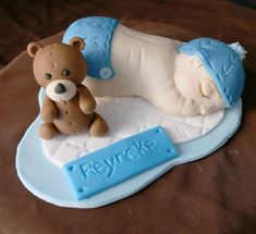 #fondantbabyboytopper #tinastopperinabox Cake Toppers