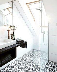 Top 70 Best Shower Window Ideas - Bathroom Natural Light Bathroom Windows In Shower, Small Bathroom Paint, Window In Shower, Guest Bathrooms, Upstairs Bathrooms, Bathroom Colors, Master Bathroom, Small Bathrooms, Beautiful Bathrooms