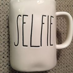 But first, let me take a selfie.   Loving this mug, @maziebullitt!