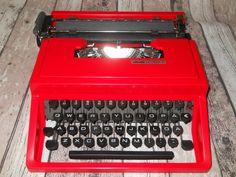 Red Olivetti Lettera 31 Typewriter Vintage by VintageRetroEst