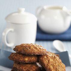 I biscotti ai cereali sono anche un'ottima soluzione quando ne hai avanzati nella scatola e hanno perso la loro fragranza, diventando molli e appiccicosi.Oppure quando i bambini non li amano, ma hanno