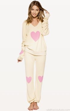 Is it a problem that I m pinning sweats on my style board  914503fed