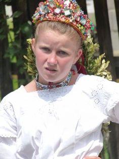 romanians at folk festival romanian children old traditional costumes eastern europe Folk Festival, My Heritage, Eastern Europe, Traditional Outfits, Romania, Folklore, Costumes, Children, Festivals