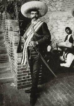 Toda la munición contra Zapata