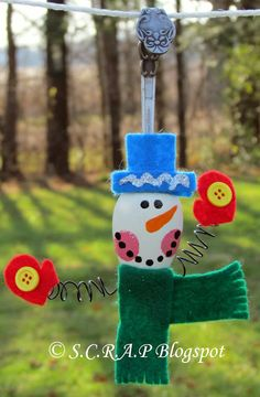 ~ S.C.R.A.P. ~ Scraps Creatively Reused and Recycled Art Projects: Snowman Spoon Ornament