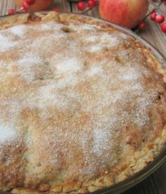 Salted Caramel Apple Pie | 15 Best Pie Recipes For The Christmas and Holiday Season | https://homemaderecipes.com/best-pie-recipes/
