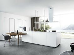 Lacquered kitchen with island without handles CLOE - COMPOSITION 1 by Cesar Arredamenti design Gian Vittorio Plazzogna