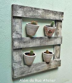 Suporte para vasos, feito com madeira reutilizada by ALÉM DA RUA ATELIER/Veronica Kraemer, via Flickr