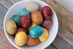 Naturally dyed Easter Eggs using only food/spices (easy)