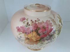 Early 20th Century porcelain 1905 Royal Worcester blush ivory vase RN 101230 #vase