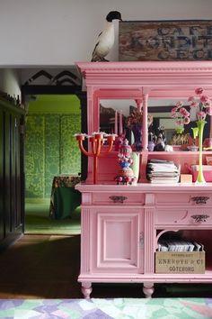 pink paint please