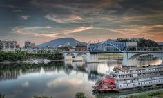 This picture of Chattanooga, TN looks like it should be a postcard=)