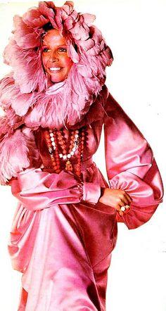 UK Vogue Sept 1970, Irving Penn. Fashion by Sarmi.1970s fashion