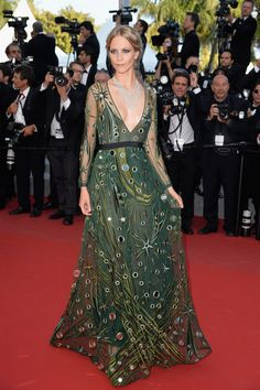 Poppy Delevingne de Burberry Prorsum - Cannes 2015