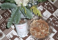 kathy hat mitgemacht: PAMK - in der Weihnachtsschickerei Christmas Cookies, Blog, Table Decorations, Home Decor, Xmas Cookies, Decoration Home, Christmas Crack, Room Decor, Christmas Biscuits