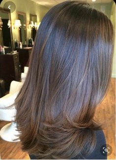Long Wavy Ash-Brown Balayage - 20 Light Brown Hair Color Ideas for Your New Look - The Trending Hairstyle Brown Hair Balayage, Brown Hair With Highlights, Brown Hair Colors, Ombre Hair, Balayage Straight, Blonde Balayage, Blonde Highlights, Medium Hair Styles, Curly Hair Styles