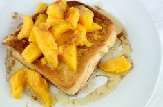 Mango French Toast Types Of Bread, High Protein, Waffles, French Toast, Mango, Clean Eating, Train, Breakfast, Easy
