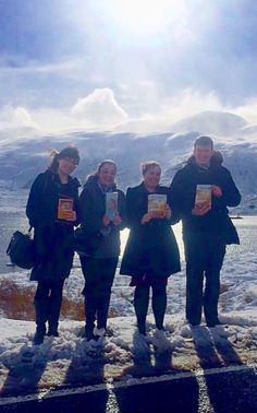 Jehovah Witnesses Enjoying the ministry in the snowy Highlands of Scotland.