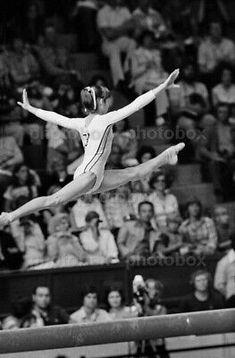 Gymnastics History, Gymnastics Team, Gymnastics Pictures, Olympic Gymnastics, Olympic Sports, Olympic Games, Gymnastics Things, Famous Gymnasts, Life In Usa