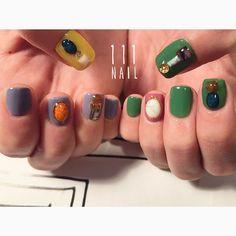 ▪️⬜️▪️ #nail#art#nailart#ネイル#ネイルアート #stone#bijou#jewel#cool#vintage#nailsalon#ネイルサロン#表参道#bijou111 #colorful111 (111nail)