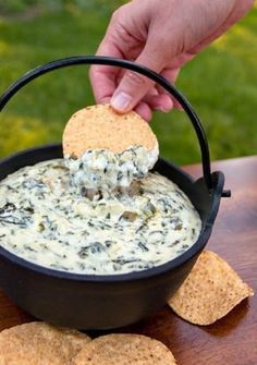 Spinach and Artichoke Dip cream cheese (reduced fat is ok) 16 oz light sour cream 1 stick tbsp) unsalted butter ? 2 cups shredded Parmesan cheese 14 oz quartered artichoke hearts, drained and coarsely chopped 4 oz can diced jalape? Dip Recipes, Appetizer Recipes, Great Recipes, Cooking Recipes, Favorite Recipes, Snack Recipes, Recipies, Appetizer List, Delicious Appetizers