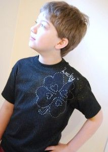 Use Tulip Fabric Sprays to make a fun St. Pat's shirt for your lucky boy! {CraftTestDummies.com}