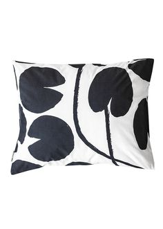 Pillowcase in organic cotton with our Water Lilies pattern. Percale is a tightly woven structure of very high quality. It consists of many extra fine and thin