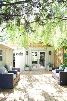 Incredible and cozy backyard studio shed design ideas Backyard Cottage, Cozy Backyard, Backyard Studio, Backyard Patio Designs, Backyard Sheds, Garden Studio, Backyard Retreat, Backyard Landscaping, Backyard Office