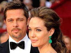Brad Pitt y Angelina Jolie, una de las parejas más explosivas del cine.  http://www.sensacine.com/peliculas/pelicula-51539/  #SensaCine #BradPitt #AngelinaJolie