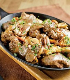 Slow Cooker Chicken Livers - Try these chicken livers chopped and sauteed with bacon and mushrooms, slow cooked with white wine and golden mushroom soup. Meat Recipes, Paleo Recipes, Chicken Recipes, Cooking Recipes, How To Cook Liver, How To Cook Beef, Guisado, Liver And Onions, Beef Liver