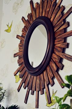 How to make a large diy sunburst (starburst, sunflower) mirror using inexpensive wood shims. Diy Wall Art, Diy Wall Decor, Home Decor, Wall Decorations, Sun Mirror, Mirror House, Starburst Mirror, Round Mirrors, Wall Mirrors