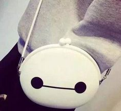 Big Hero 6 Baymax SatchelSize: 19.5*17 cm Approx. Manual measurement Material: Silicone Design: Satchel Bag