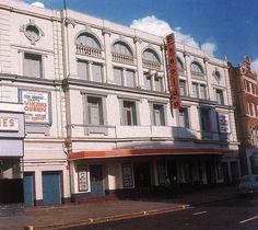 Essoldo Kilburn 1954 Maida Vale, Cinema Theatre, London History, London Photos, Theatres, Old Buildings, Portobello, Surrey, Back In The Day