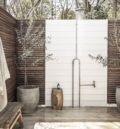 Outdoor Tub, Outdoor Bathrooms, Outdoor Decor, Outdoor Showers, Outdoor Ideas, Bathroom Goals, Bathroom Ideas, Shower Ideas, Queenslander
