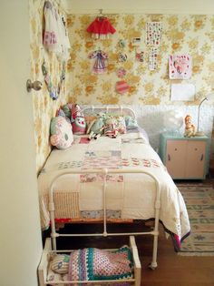 Beautiful vintage inspired little girls room.