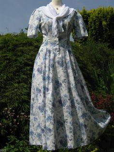 LAURA ASHLEY VINTAGE BLUE WILLOW ROSE & BUTTERFLIES SUMMER / TEA DRESS, 10