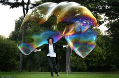 Samsam Bubbleman set a new record for the world's largest free floating bubble (20' x 5') in London in 8/09.