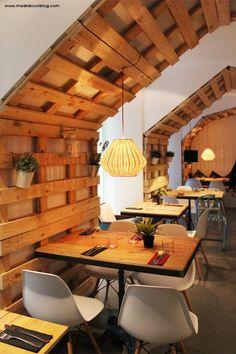 + de 50 ideas para decorar con palés | Ideas Eco Cafe Restaurant, Restaurant Design, Madrid Restaurants, Home Decoracion, Lovely Shop, Best Interior Design, Wall Treatments, Betta, Architecture Design