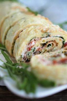 herzhafte Pfannkuchenrolle | Schinken | getrocknete Tomaten | Frischkäse | Rucola | pikant