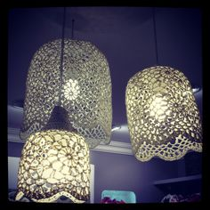 Crocheted lamp shades..à DIY i need to explore / DIY lampe en crochet