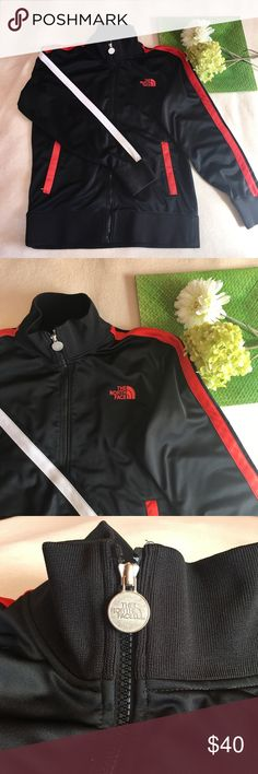 NORTH FACE | stripe sleeve zip up jacket Offers welcomed :) The North Face Sweaters Zip Up