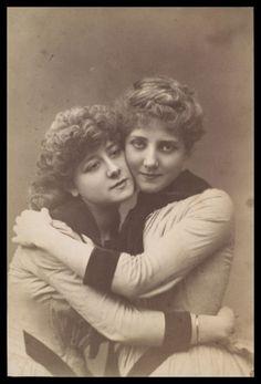 lesbians-ses-position-foxy-sascha-xxx